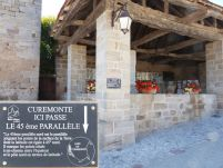 Plaque village